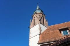 Tornet av svalans kyrka i Dornstetten arkivfoto