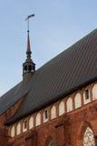 Tornet med ett fåfängt för väder royaltyfri bild