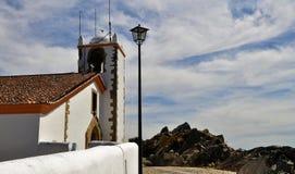 Tornet och himlen - kyrka för helig ande royaltyfri foto