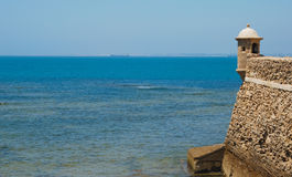 Tornfästning i Cadiz Royaltyfri Foto