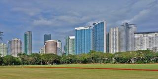 Tornhorisont av Fort Bonifacio i den Taguig staden royaltyfria foton