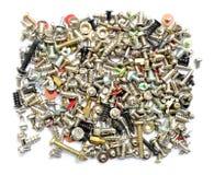 Tornillos y tornillos en blanco imágenes de archivo libres de regalías