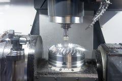 Tornio, fresatura di CNC Immagine Stock