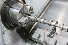 Tornitura di CNC dell'albero di distribuzione Immagine Stock Libera da Diritti