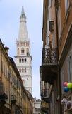 Tornklockan av Modena Italien royaltyfri bild