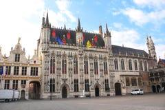Tornkorridor & x28; Stadhuis skåpbil Brugge& x29; i Bruges Belgien Royaltyfri Bild