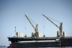 Tornkran på fartyget Royaltyfria Bilder