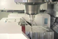 Torno, el moler del CNC Imagenes de archivo