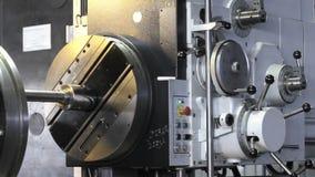 Torno grande torno moderno torno moderno de trabalho torno de trabalho com controle manual filme