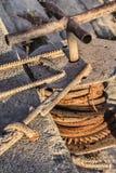 Torno viejo con el detalle de acero de la bobina de cable de Rusty Gear Wheel And Corroded Imágenes de archivo libres de regalías