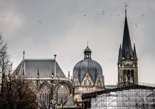 Tornspirorna av den imperialistiska domkyrkan Royaltyfri Fotografi