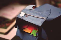 Toro hecho a mano de la cartulina fotografía de archivo libre de regalías