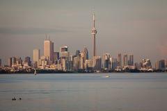 Toronto-Ansicht vom See Ontario Stockbilder