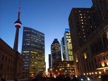 Toronto céntrico en la oscuridad foto de archivo libre de regalías