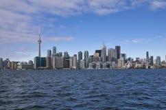 Toronto, Canadá - 27 de enero de 2016: Horizonte del lago, Ontario, Canadá de Toronto imágenes de archivo libres de regalías