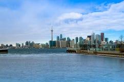 Toronto, Canadá - 27 de enero de 2016: Opinión del horizonte de Toronto de a imagen de archivo