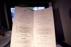 TORONTO, CANADÁ - 28 de janeiro de 2017: Jantar do menu da refeição de bordo da classe executiva de Air Canada Imagens de Stock Royalty Free