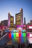 TORONTO CANADA-JULY 9,2015: Den nya Toronto undertecknar in Nathan Phill Fotografering för Bildbyråer
