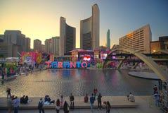 TORONTO, CANADA-JULY 9,2015: Nuevo Toronto firma adentro a Nathan Phill Fotos de archivo