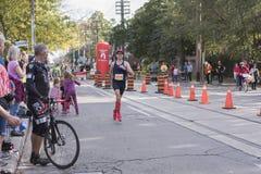 TORONTO, ON/CANADA - OCT 22, 2017: Maratoński biegacz Frederic Bouc Zdjęcie Royalty Free