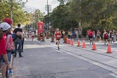TORONTO, ON/CANADA - OCT 22, 2017: Maratoński biegacz Jean Pierre Fotografia Stock