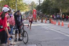 TORONTO, ON/CANADA - OCT 22, 2017: Maratoński biegacz Mathieu passe Zdjęcie Royalty Free
