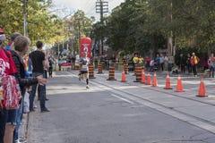 TORONTO, ON/CANADA - OCT 22, 2017: Maratoński biegacz Roy przechodzi t Obraz Stock