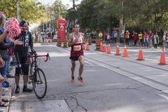 TORONTO, ON/CANADA - OCT 22, 2017: Maratońskiego biegacza Mathieu passi Obraz Royalty Free