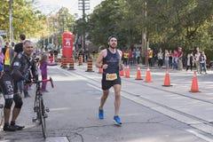 TORONTO, ON/CANADA - OCT 22, 2017: Maratońskiego biegacza Mathieu passi Zdjęcia Royalty Free