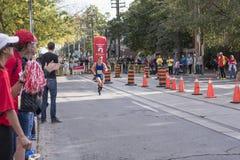 TORONTO, ON/CANADA - OCT 22, 2017: Maratońskiego biegacza Morgan passin Zdjęcia Royalty Free