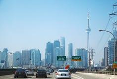 TORONTO, CANADA - 6 SEPTEMBRE 2015 : Toronto Route de Gardiner photo libre de droits