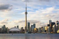 Toronto cityscape på den tidiga aftonen Fotografering för Bildbyråer