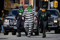 Desfile anual del día del St. Patrickâs de Toronto imagen de archivo