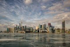 Toronto från den Polson pir fotografering för bildbyråer
