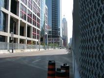 TORONTO - 23 giugno 2010 - le barriere della polizia intorno alla metropolitana Convention Center durante G20 le proteste a Toron fotografie stock