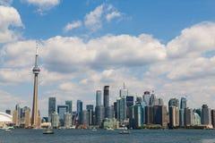 Toronto horisont under sommaren fotografering för bildbyråer