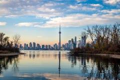 Toronto horisontsikt från Toronto öar - Toronto, Ontario, Kanada Royaltyfri Bild