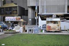 Toronto, 24 Juni: Voedselkar van Nathan Phillips Square van Toronto in de Provincie Canada van Ontario Stock Foto's