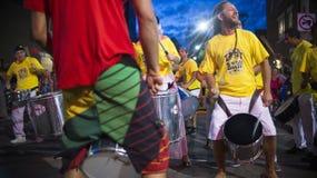 TORONTO KANADA - AUGUSTI 22, 2015; Samba Squad utför på Ten Arkivfoto