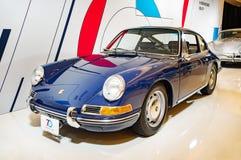 Toronto Kanada - 2018-02-19: En Porsche 1964 911 2 0 kupé som visas på utläggningen för Porsche AG på 2018 kanadensiska Internati Arkivfoto