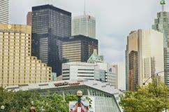 Toronto Kanada - 23 kan 2017: I stadens centrum Toronto, Kanada Royaltyfri Bild