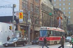 TORONTO Kanada-mars 15,2012: En sikt av i stadens centrum Toronto med th Fotografering för Bildbyråer