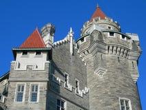 TORONTO KANADA - OKTOBER 29, 2005: Sikten av casaen Loma, en slott som byggs i Toronto i 1914 arkivbild