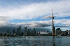 Toronto linia horyzontu w półmroku Obrazy Stock