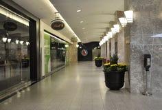 Toronto, o 24 de junho: Zona comendo e de compra dentro do lugar de Brookfield em Toronto da província Canadá de Ontário Fotos de Stock