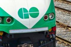 Toronto, Ontario, Kanada 26. Juni 2018: Toronto gehen Zug arrivin lizenzfreies stockbild