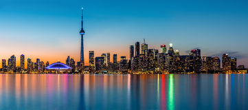 Toronto panorama på skymning Royaltyfri Foto