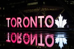 Toronto Śpiewa przy Nathan Philips kwadratem Zdjęcia Stock