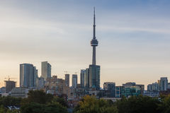 Toronto-Skyline an der Dämmerung Lizenzfreies Stockfoto