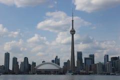 Toronto-Skyline, KN-Turm lizenzfreies stockbild